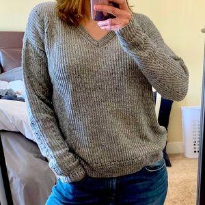 Comfy oversized sweater. Medium